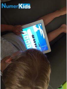 Les enfants de moins de 6 ans et les tablettes